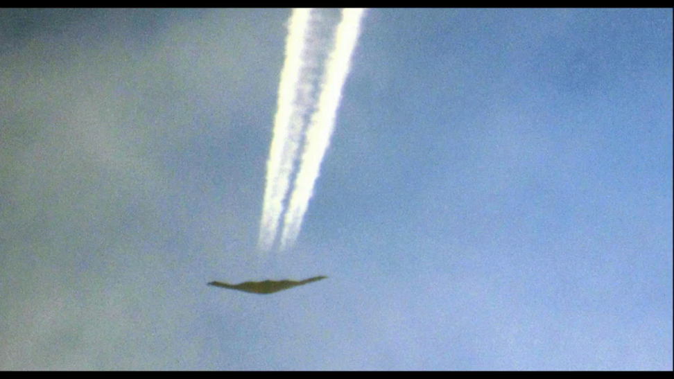 Risultati immagini per Stealth Bombers Dropping Chemtrails In New Mexico, Morgellons